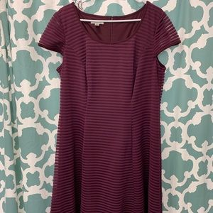 Maroon/burgundy 18 capsleevedress London style